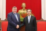 Вьетнам обязуется создать благоприятные условия иностранным партнерам