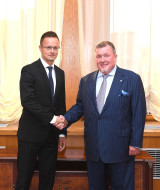 Hungarian Minister of Foreign Affairs and Trade Péter Szijjártó visited the IIB Headquarters