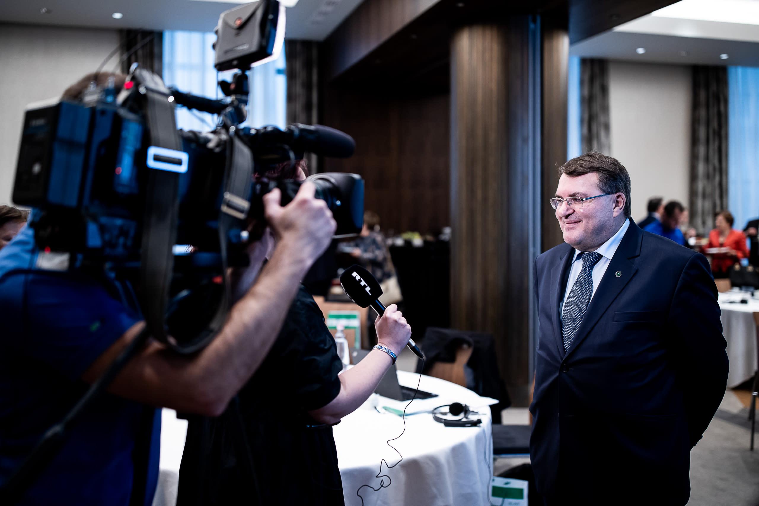 Интервью Заместителя Председателя Правления МИБ Имре Ласлоцки престижному деловому изданию HVG.HU