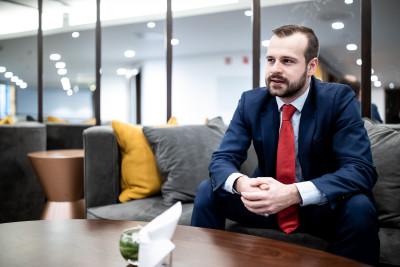 IIB Chief Economist Elliott Auckland to leading Czech financial portal Roklen24.cz: