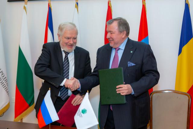 Церемония подписания Соглашения  МИБ с Правительством РФ об условиях местопребывания института на территории России (11.02.2020)