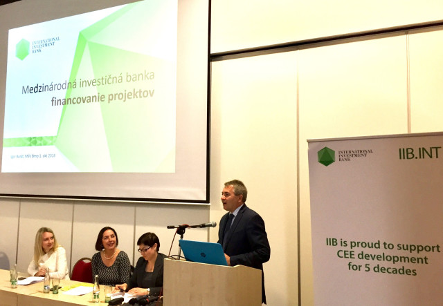 IIB continues to expand cooperation with international development banks