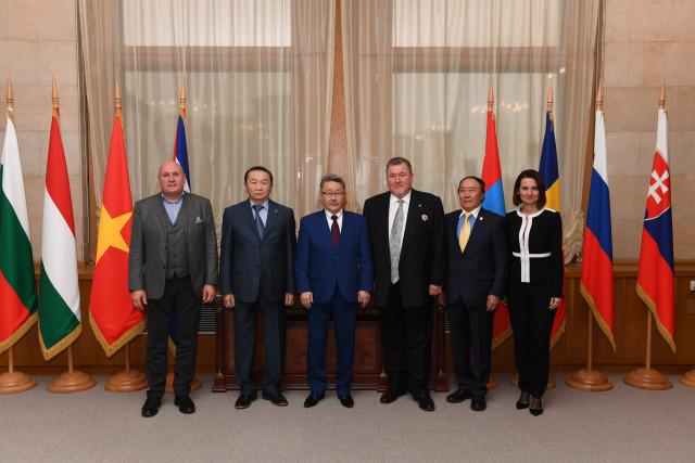 МИБ выделит средства на природоохранные инициативы в Монголии