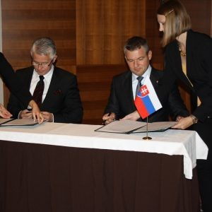 IIB and Slovakia tighten investment cooperation – MoU with the Office of the Deputy Prime Minister for Investments and Informatization