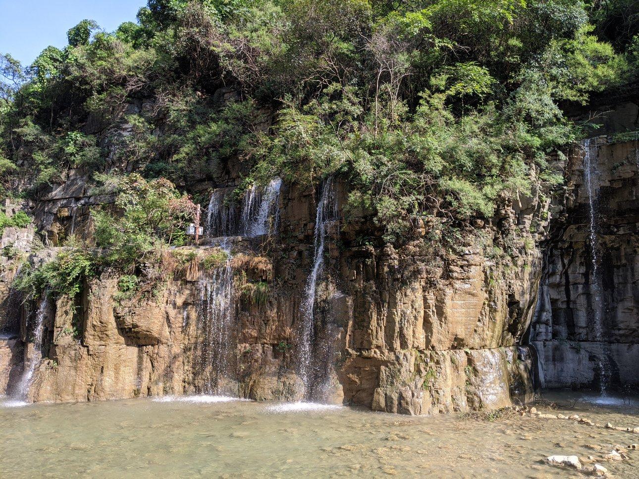 泉瀑峡游览途中