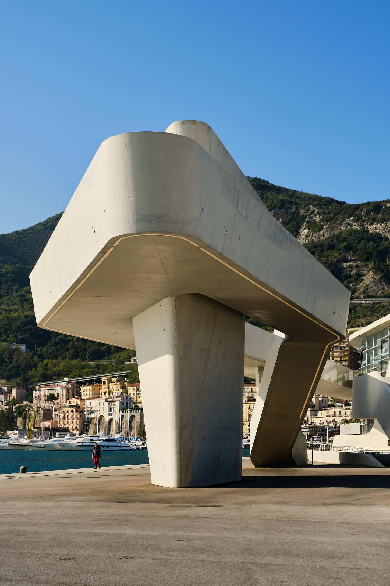 Stazione marittima di Salerno, Architetto Zaha Hadid