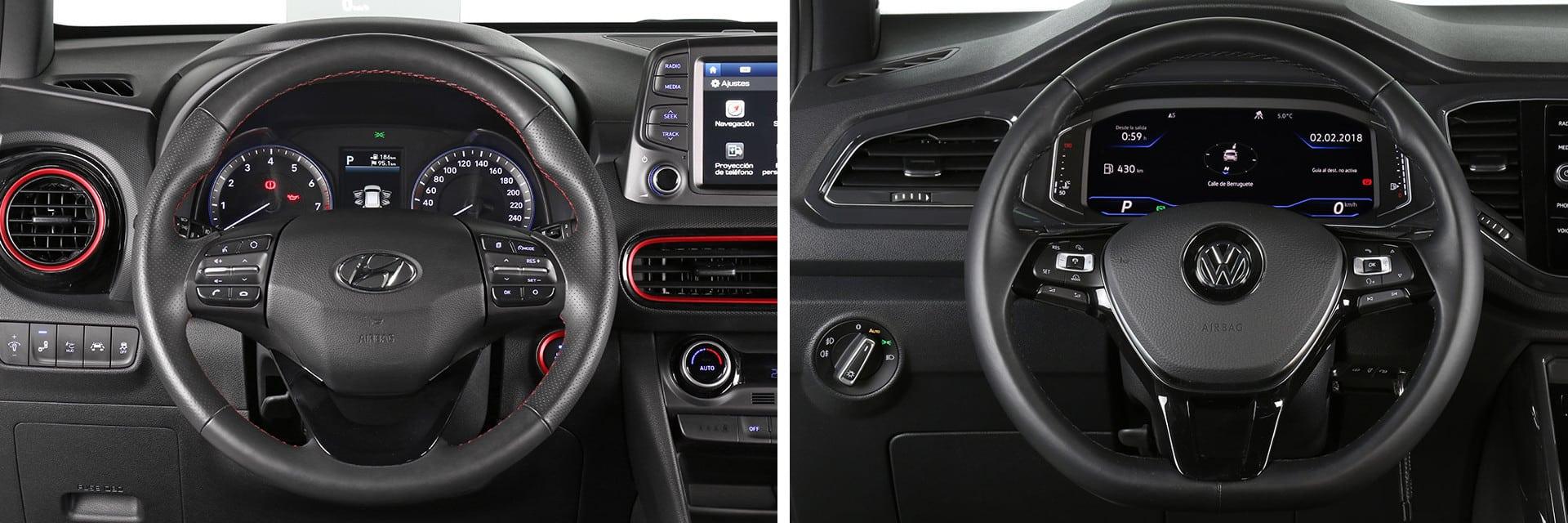 El volante del Kona (izq.) puede ser calefactado, mientras que el T-Roc (dcha.) no lo tiene ni como opción.