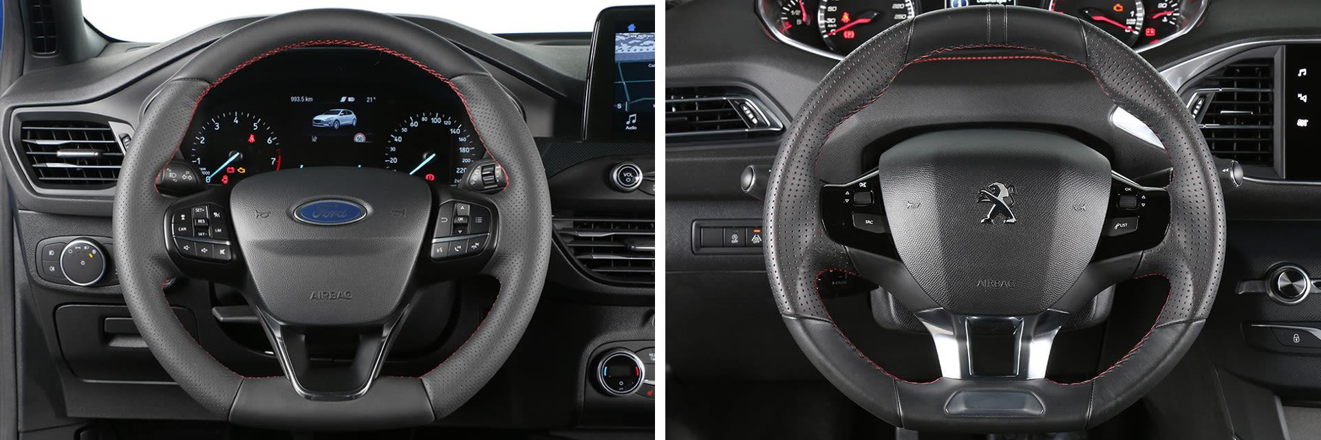 El volante del Peugeot (dcha.) es más pequeño que el del Focus (izq.) debido a que la instrumentación se ve por encima del aro del volante y no por dentro.