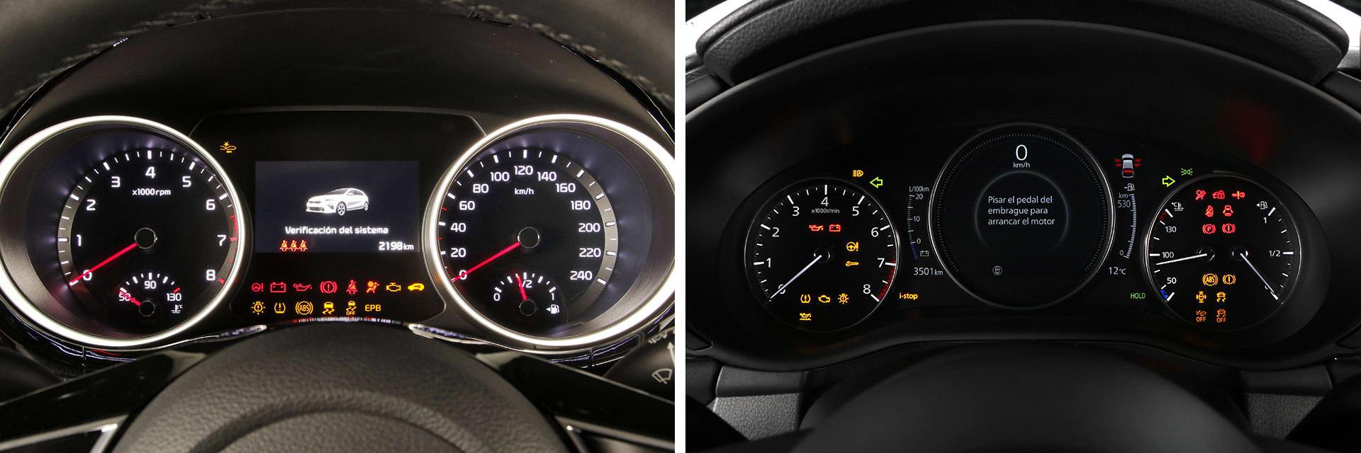 Las instrumentaciones de los dos vehículos son similares: dos esferas en los laterales y el ordenador de a bordo en el centro.
