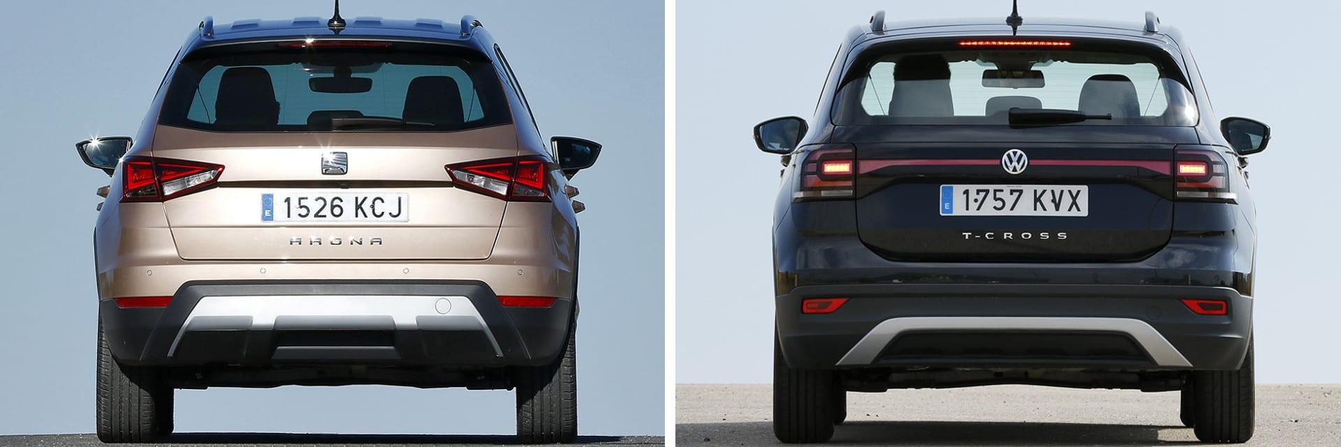 El Arona (izq.) es un vehículo de tacto ágil; el T-Cross (dcha.) es ideal para quienes buscan un coche cómodo y estable. / km77