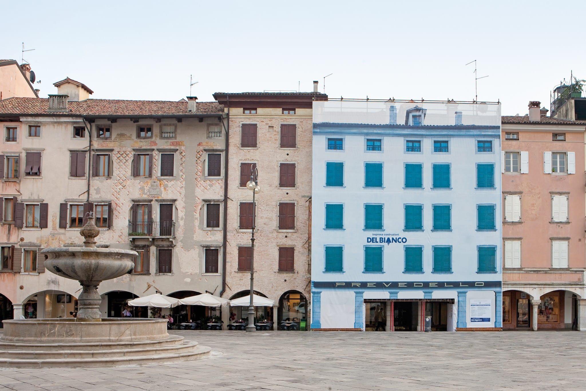 Restauro in piazza San Giacomo operato dall'impresa costruttrice Del Bianco di Udine