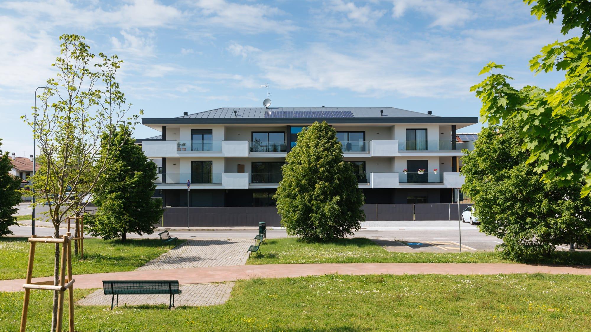 Un edificio sostenibile e rispettoso dell'ambiente costruito dall'impresa edile Del Bianco