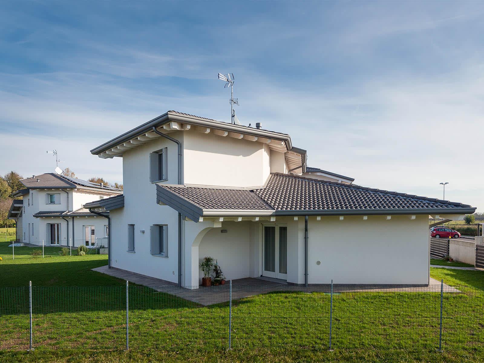 Villa singola in bioedilizia, ad alta efficienza energetica, con ampi spazi esterni e ottimo orientamento.