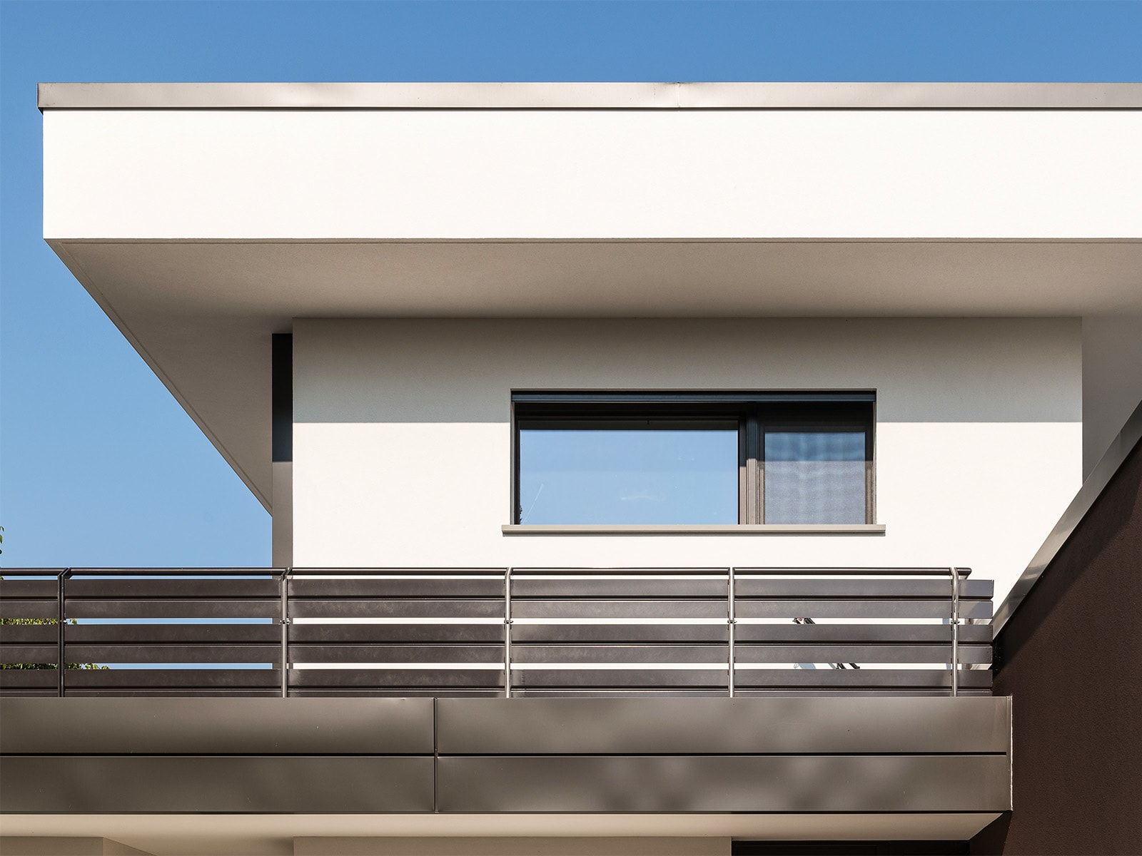 Casa singola in calcestruzzo armato con tetto piano