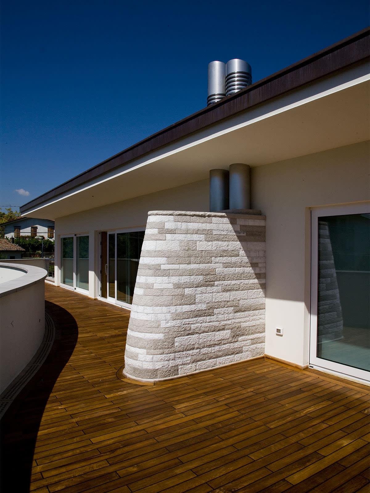 casa ecologica con materiali naturali