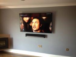flat tv fit hidden cabes sonos soundbar