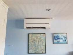 Mitsubishi Electric inverter wall mounted unit.