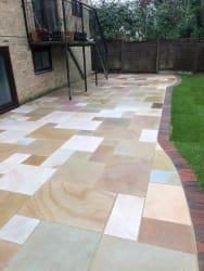 Sandstone With Brindle Blockpaving Edge