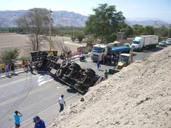 Accident on Pan-American Highway