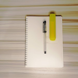 Veco Dotted Notebook, Pen and Highlighter