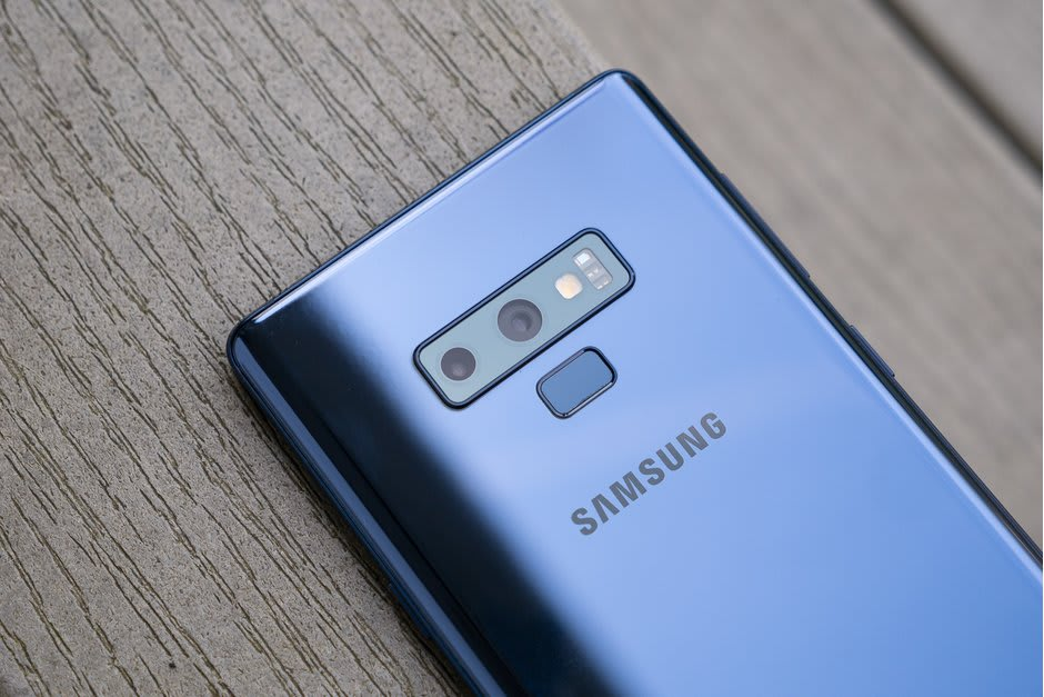 Samsung Galaxy S10 and S10 Plus Comes in New Smoke Blue Color Option