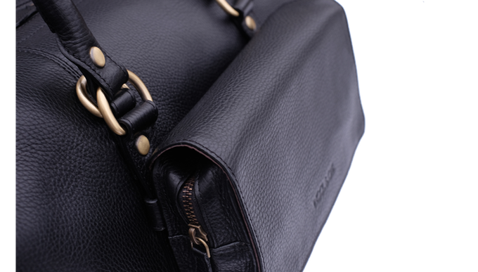 Toiletry kit snaps onto the exterior straps