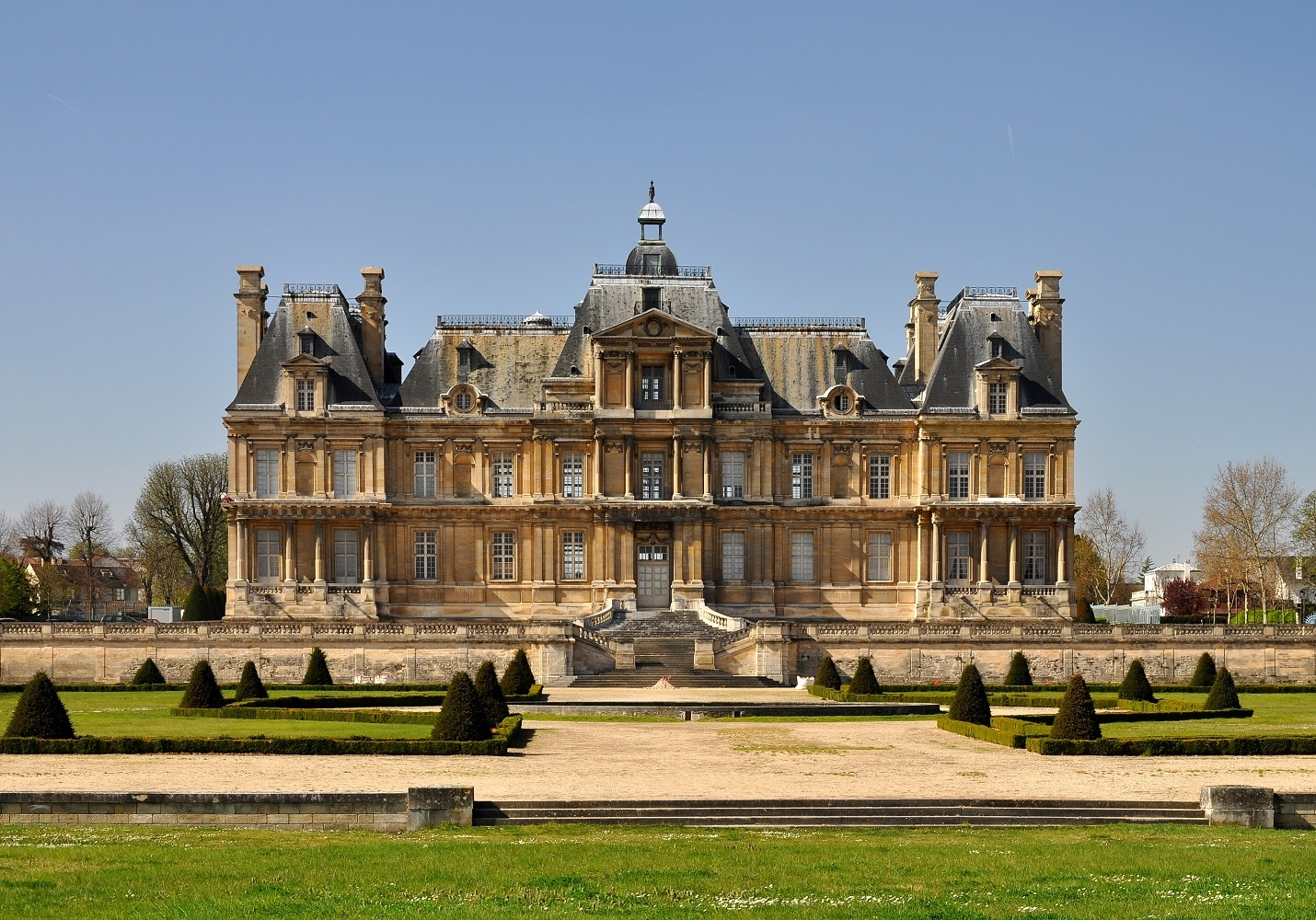 Château de Maisons (1630-51) | Source: wikipedia.org