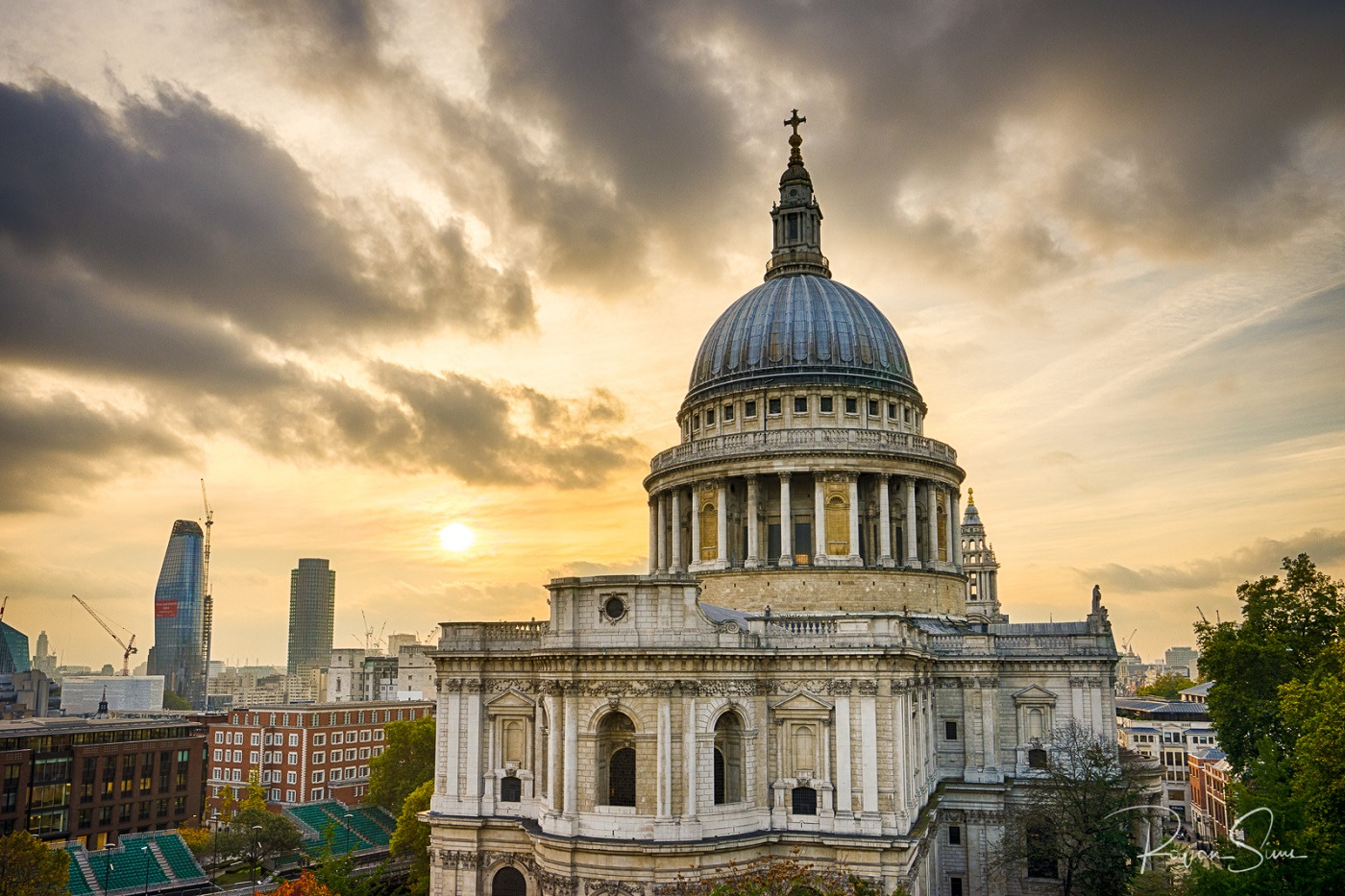 St. Paul's Cathedral (1675-1711) | Source: rowansims.com