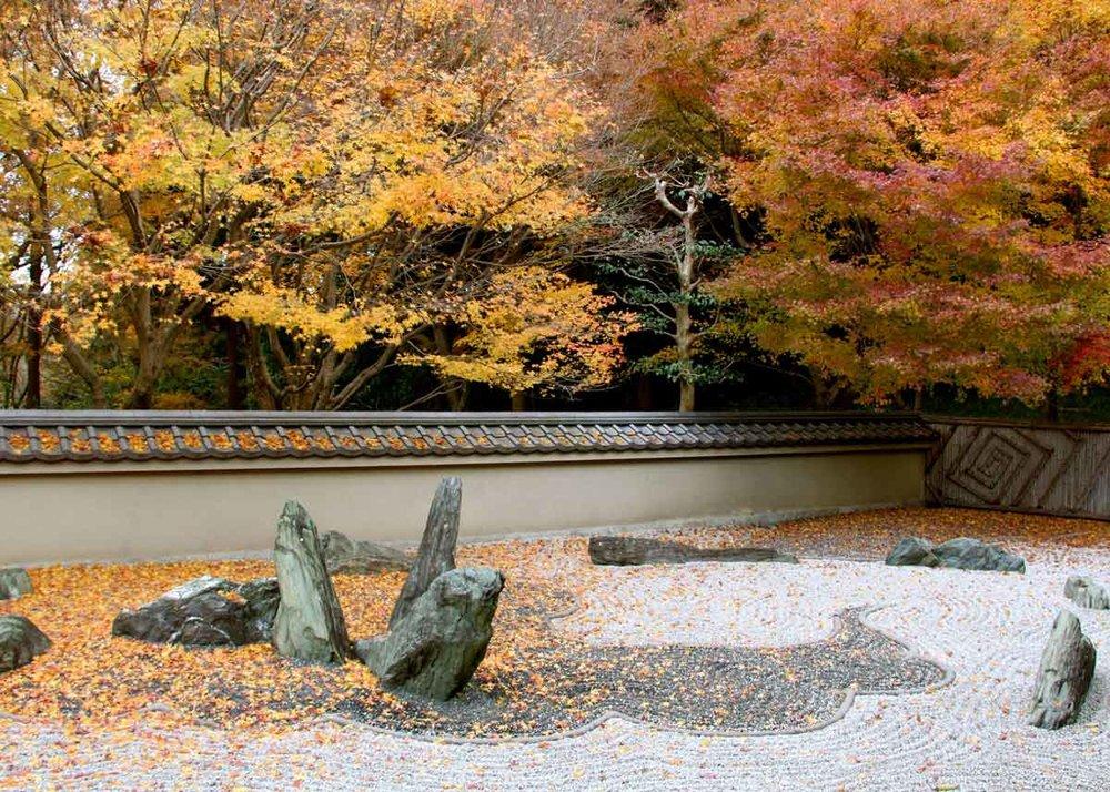 Japanese rock garden | source: japanobjects.com