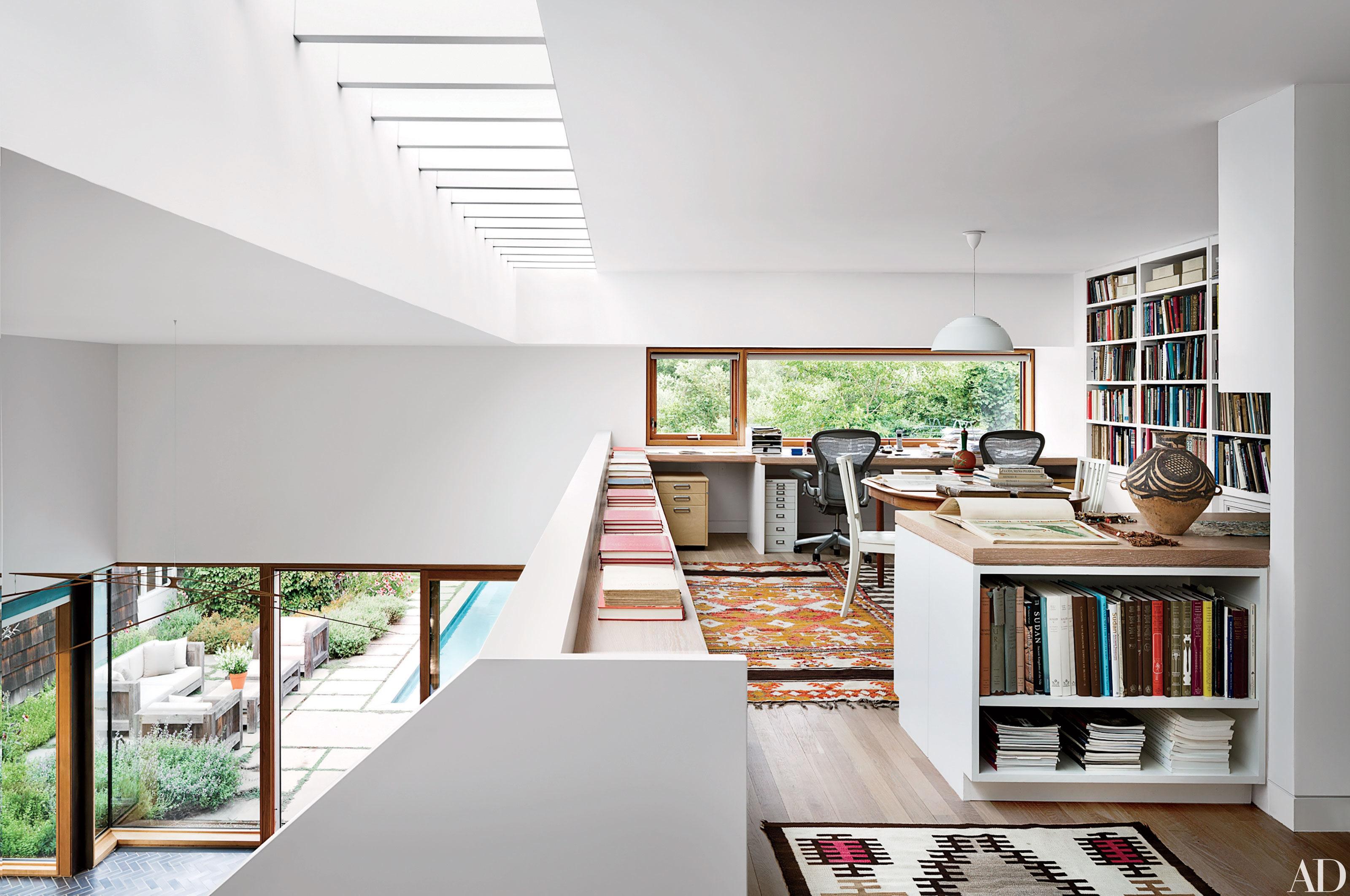 Mezzanine office | Source: architecturaldigest.com
