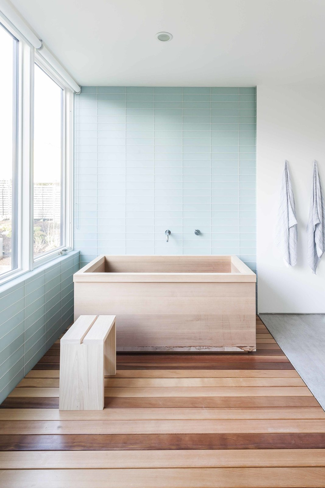 Minimalist bathroom | Source: dwell.com