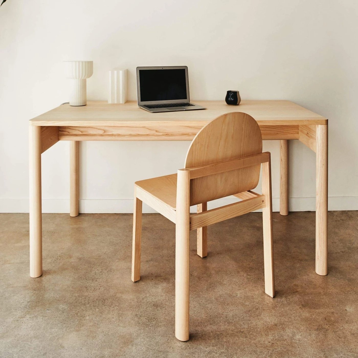 Eave Desk | Source: dimshome.com