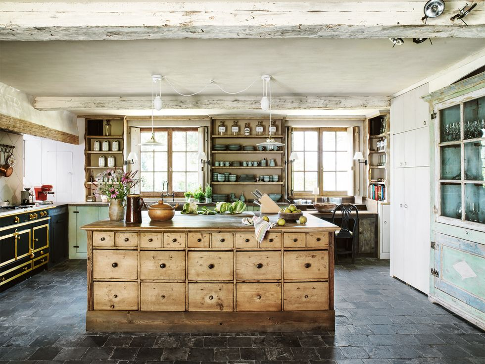 Farmhouse kitchen | Source: countryliving.com