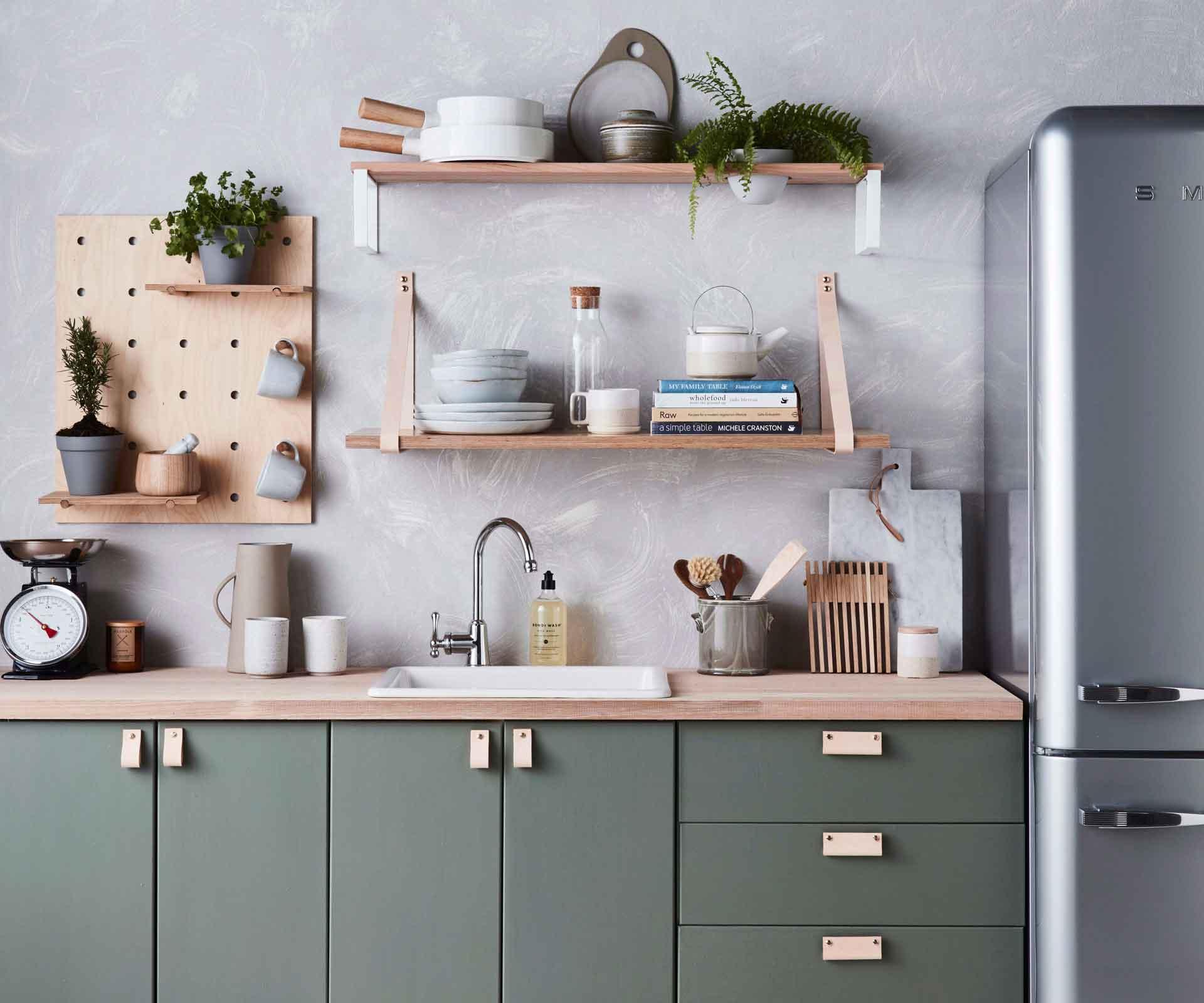 Floating shelves for kitchen | Source: homestolove.co.nz