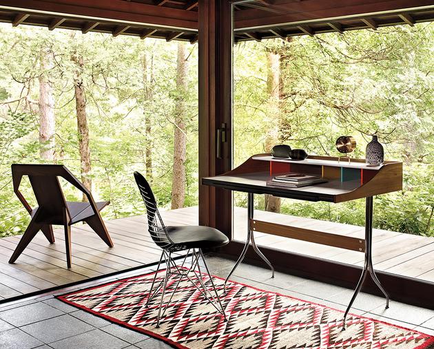 A bedroom offcie with a view! | Source: trendir.com