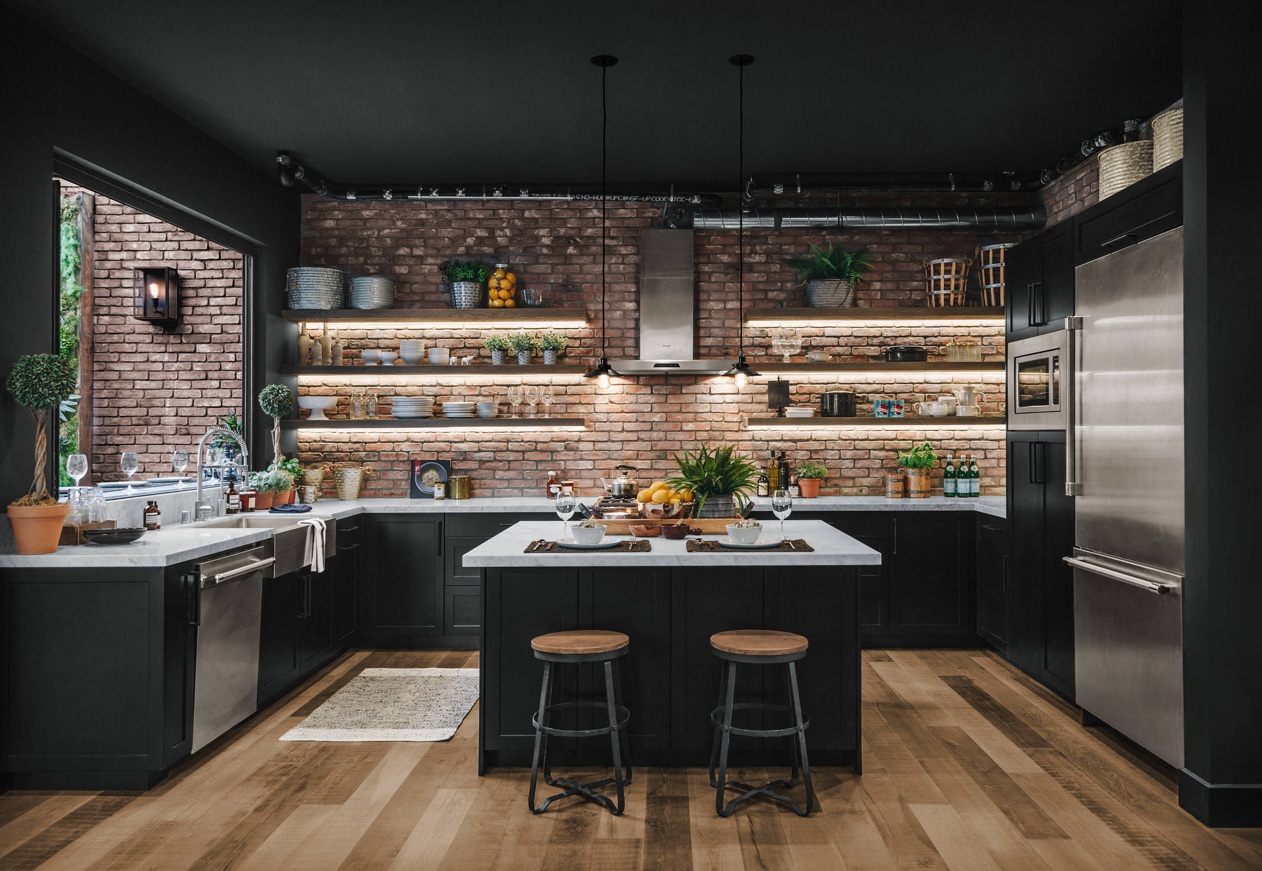 Industrial style kitchen | Source: goinside.com