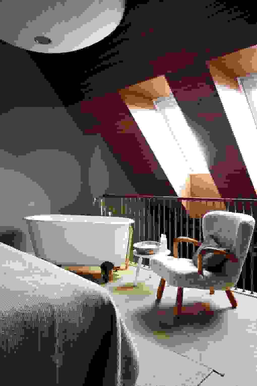 En-suite mezzanine | Source: houseandgarden.co.uk
