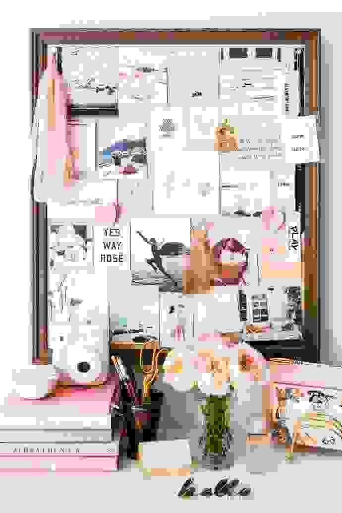 DIY cork board   Source: prettystuff.tumblr.com