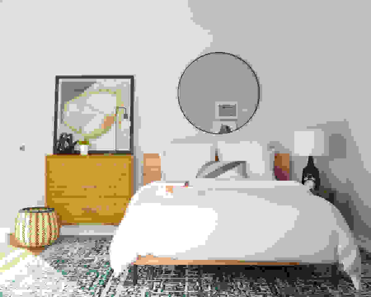 Simple decoration for small bedroom | Source: modsy.com