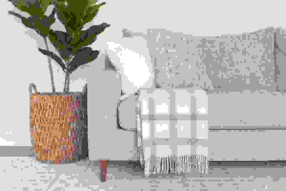 Throw blanket and pillows for extra comfort   Source: thediyplaybook.com