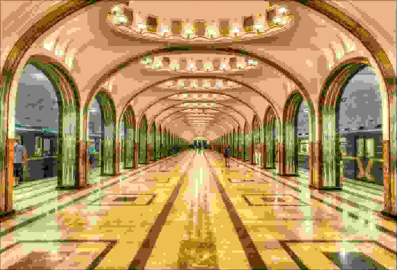 Mayakovskaya Station   Image source: trekearth.com