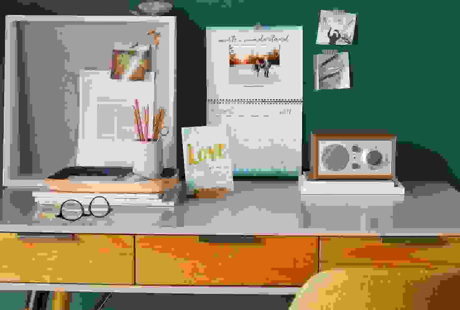 Organized work surface | Source: shutterfly.com