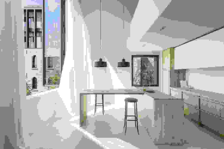 Minimalist kitchen | Source: caandesign.com
