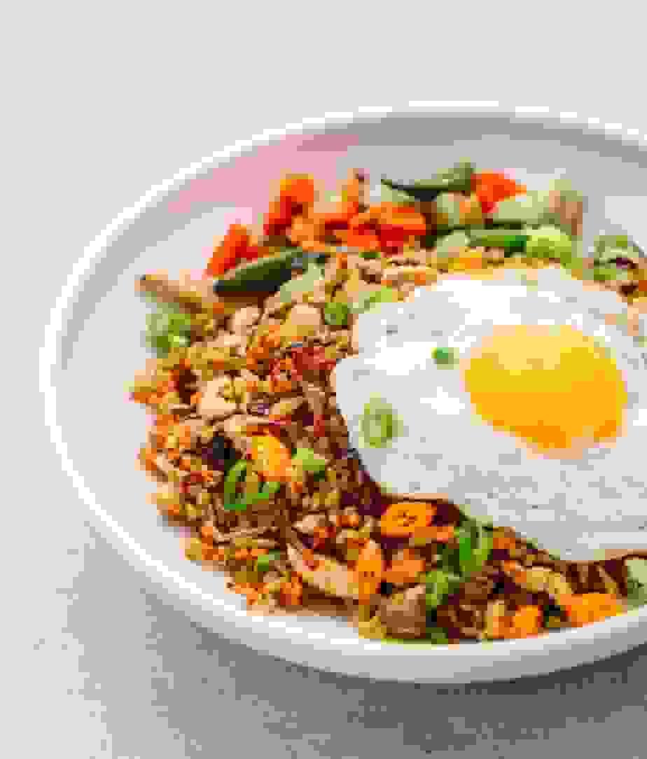 Nasi goreng with fried egg | Source: poshjournal.com