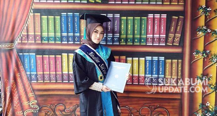 Nadia Silva Sarjana Kedokteran Di Umur 18 Warsih