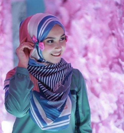 Tresia Beauty Blogger Geulis Kawit Subang