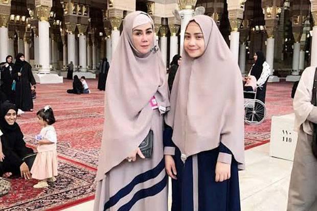 Gamis Kelir Navy Sarta Hijab Kelir Khaki