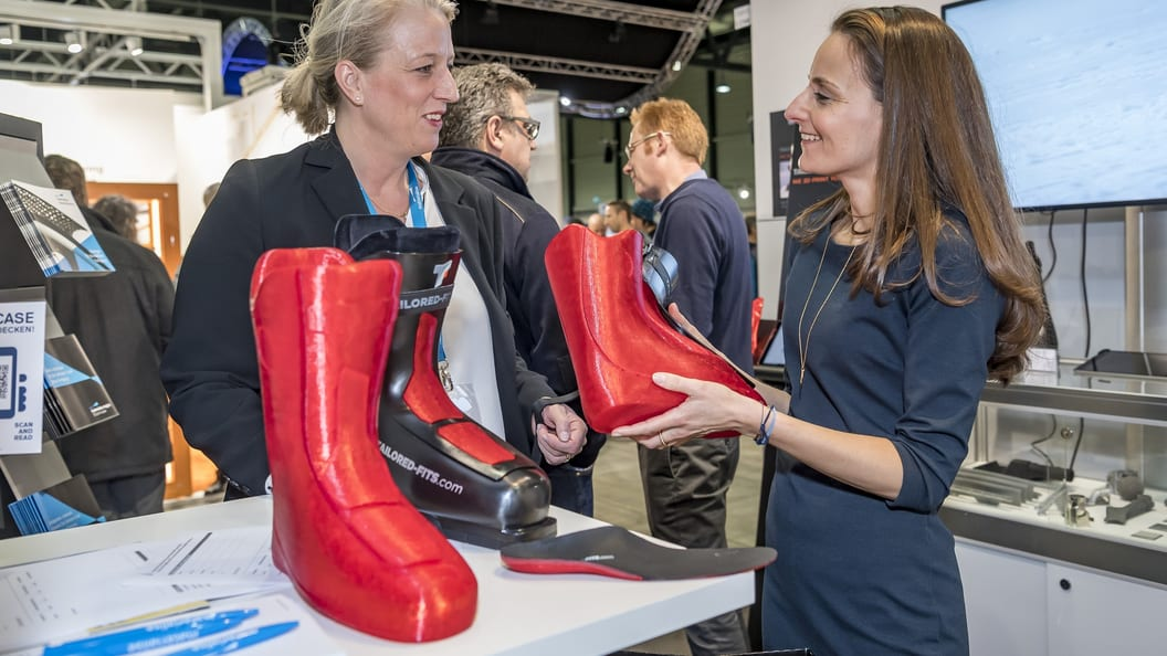 The exhibitors presented real application examples (showcases) - here a 3D printed ski boot.