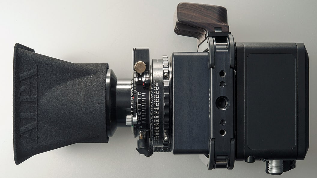 """""""Narrow"""" lens shade which was designed for a standard focal length"""