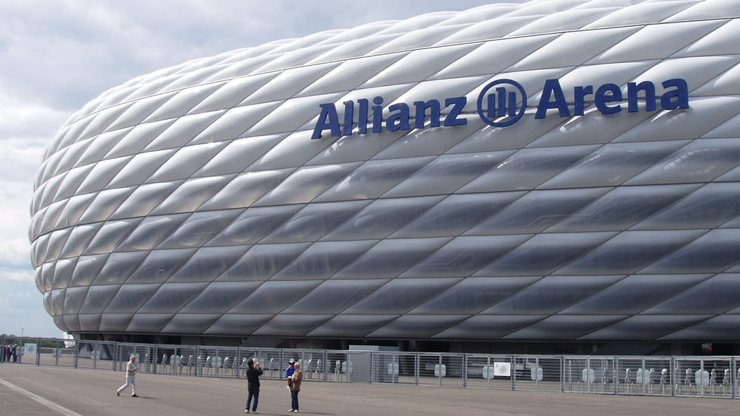The architects of the ALLIANZ Arena in Munich also relied on CHEMOURS TEFLON(TM).